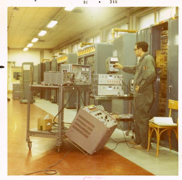 Barberis nella sala OH di Monte Mancuso base IMMZ di Monte Mancuso, Catanzaro, dicembre 1970.