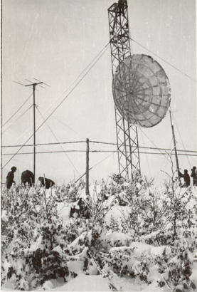 Futura base IMMZ di Monte Mancuso (CZ) sotto la neve si issa il paraboloide sperimentale per la prova della tratta con Cefalonia 1960.2